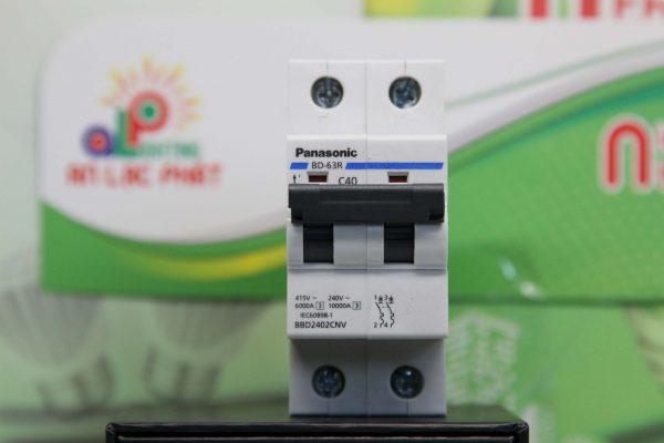MCB Panasonic 2 pha bào bệ ngôi nhà tốt