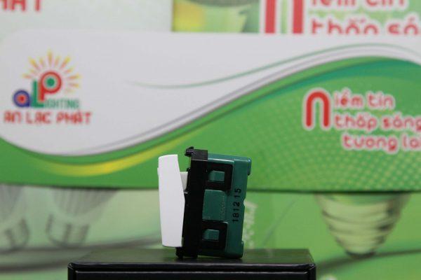 Công tắc 1 chiều WEV5001SW-WEV5001-7SW Panasonic thiết kế nhỏ gọn