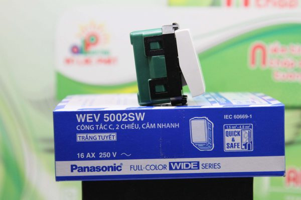 Công tắc 2 chiều Panasonic WEV5002SW-WEV5002-7SW màu trắng tuyết