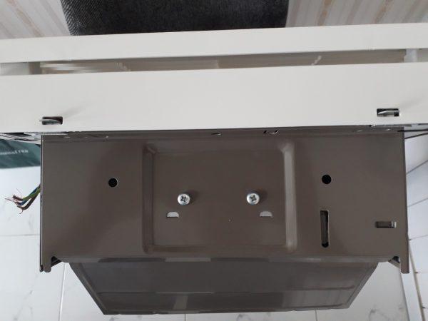 Hình ảnh thật mặt phía trên của quạt hút gắn tường Panasonic FV-20AL9