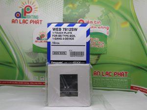 Mặt vuông dành cho 2 thiết bị Panasonic WEB7812SW tinh tế