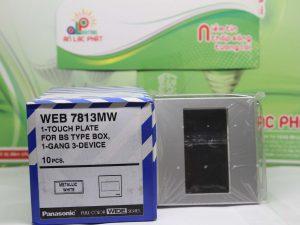 Mặt vuông dành cho 3 thiết bị WEB7813MW Panasonic