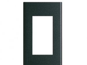 Mặt nạ dùng cho 3 thiết bị Panasonic WEG68030MB thiết kế riêng biệtMặt nạ dùng cho 3 thiết bị Panasonic WEG68030MB thiết kế riêng biệt